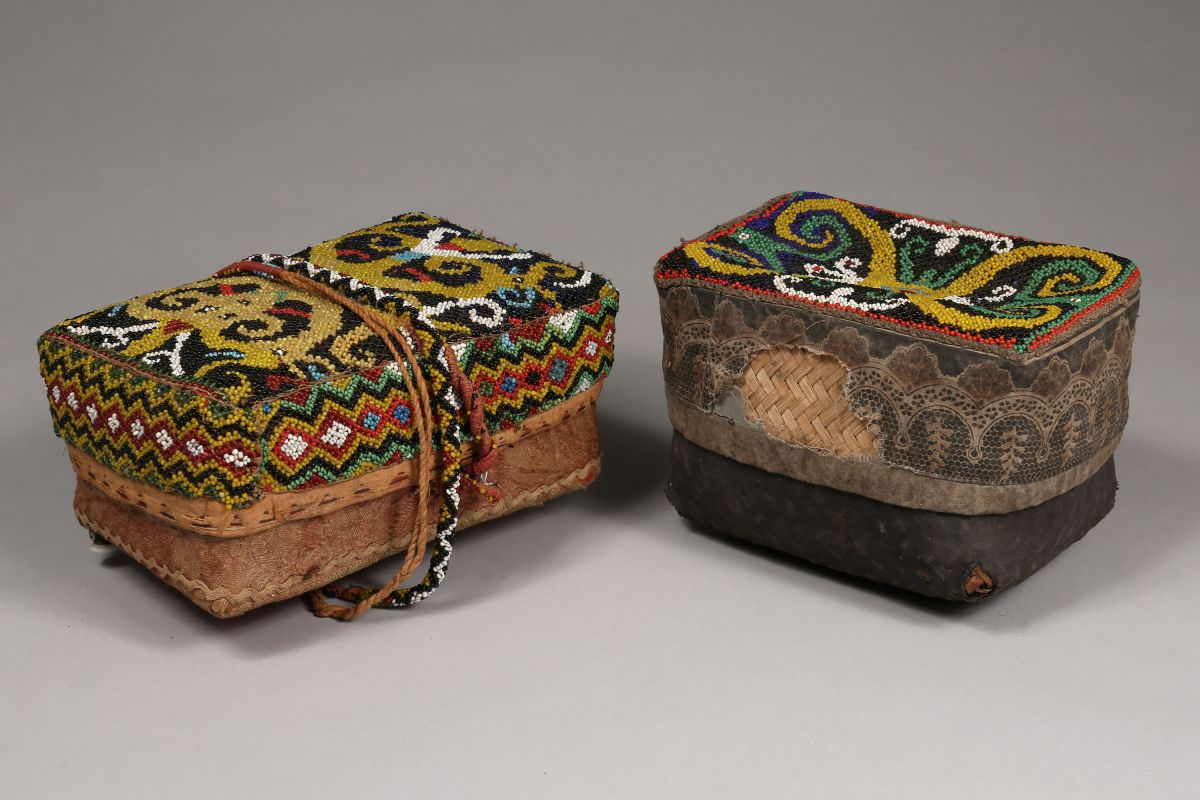 <?php echo Pair of  Dayak Woman's Boxes?>