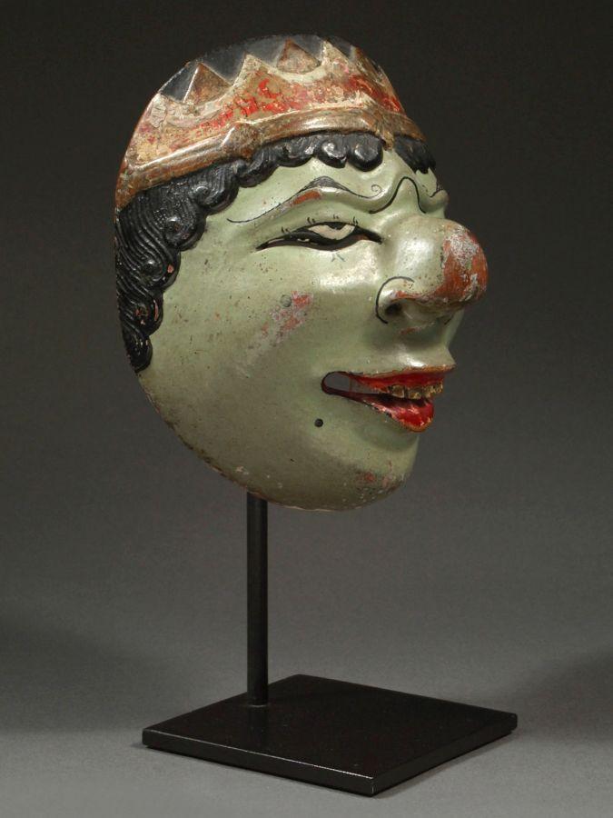 <?php echo Female Drama Mask?>