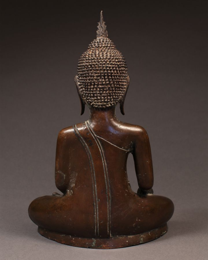 <?php echo Seated Buddha?>