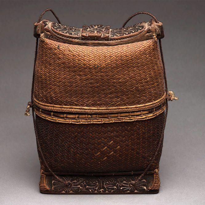 Man's Purse, Kompek